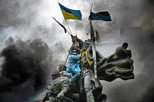 2014-01 UA22 769338  января, митингующий на памятнике основателям Киева. Фото Jeff J MitchellGetty Images.