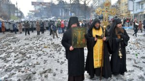 kiev-priests-maidan