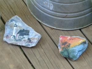 2014-07 DSC00993 painted rocks on porch (Large)