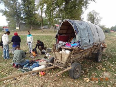 2014-10 DSC01510 DSC08670 roma trip gypsy caravan (Large)