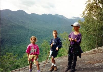 1994-08 NY Hiking 07 sib zeke isaac