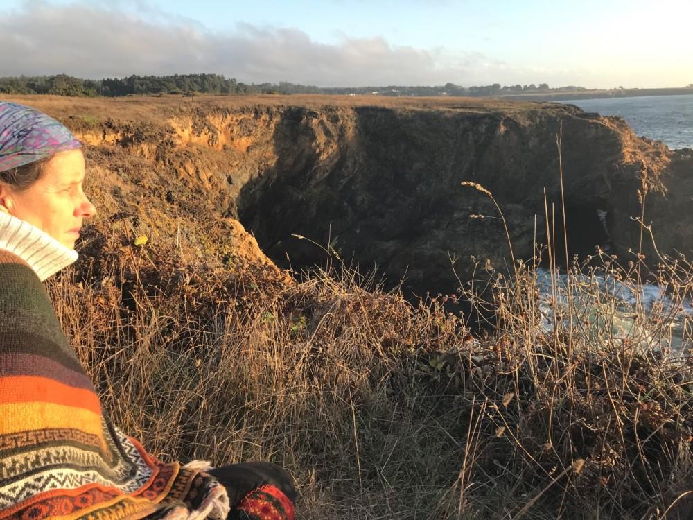 2018-11 IMG_6224 liz mendocino cliff sunshine (Large)
